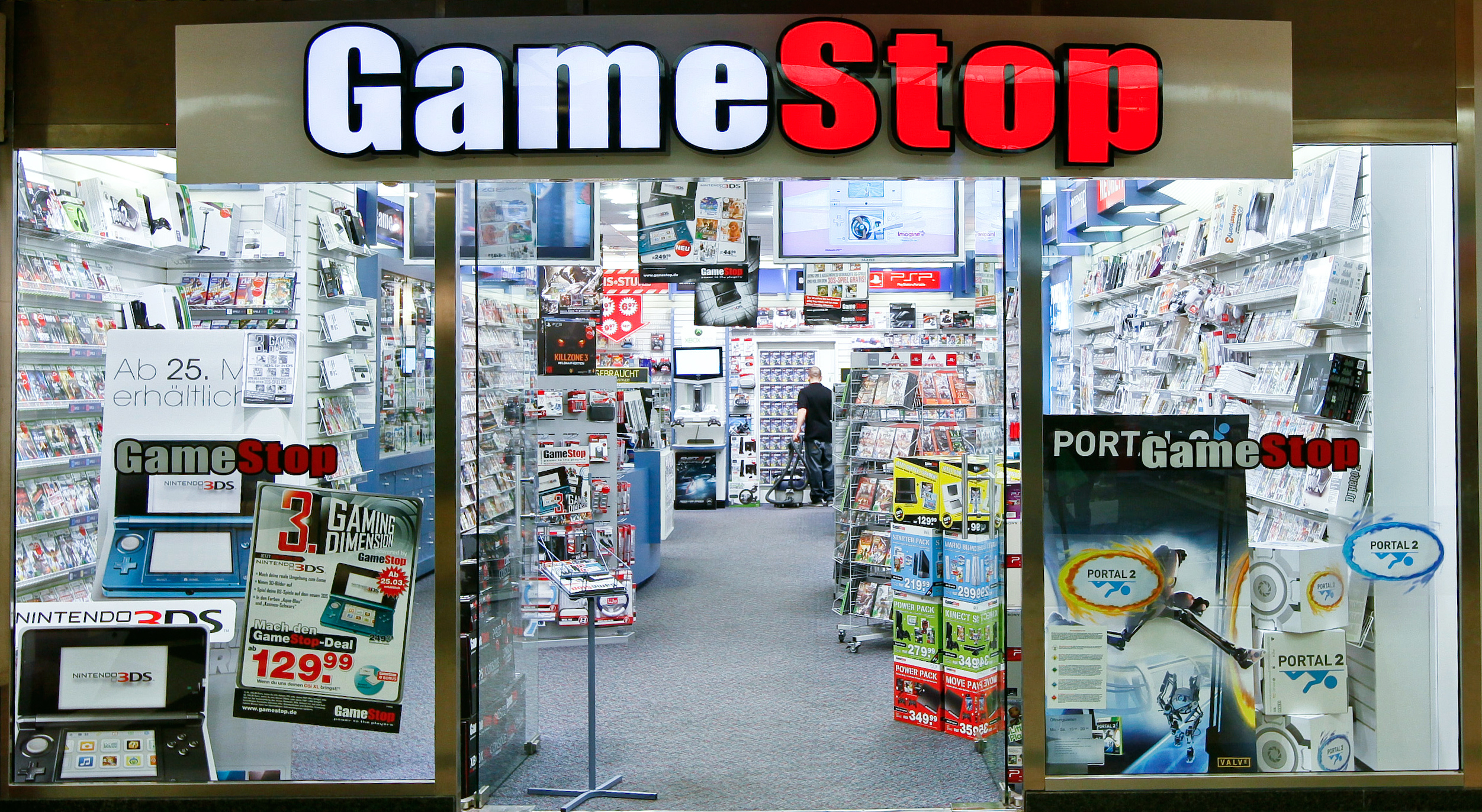 Gamestop Going Out Of Business 2020.Gamestop Stock Drops By 5 Following Ps5 Release Announcement
