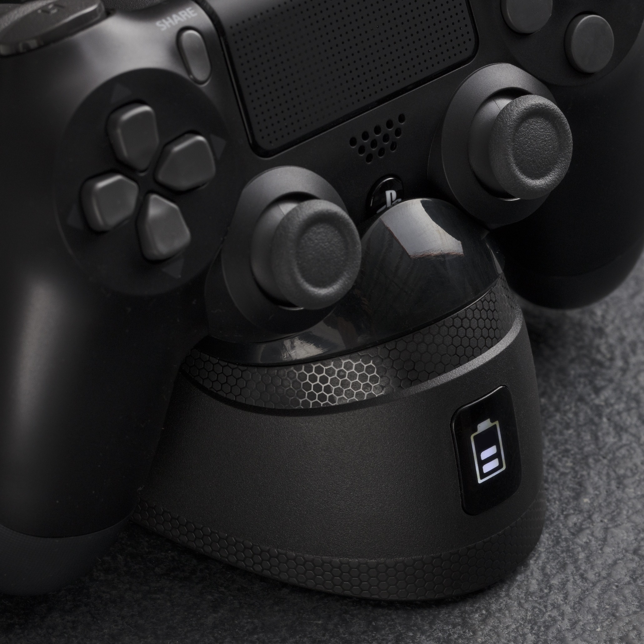 HyperX ChargePlay Duo Review - DualShock 4 Controller Charger